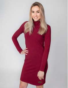 Vínové šaty se stojáčkem