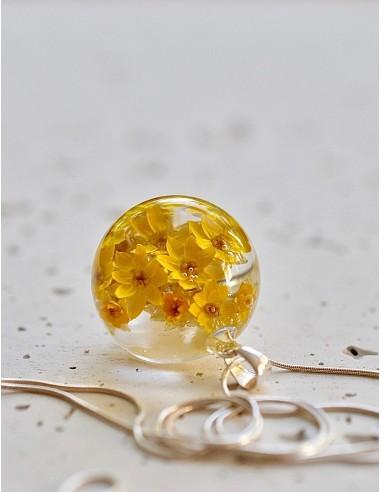 Stříbrný náhrdelník Květy žluté